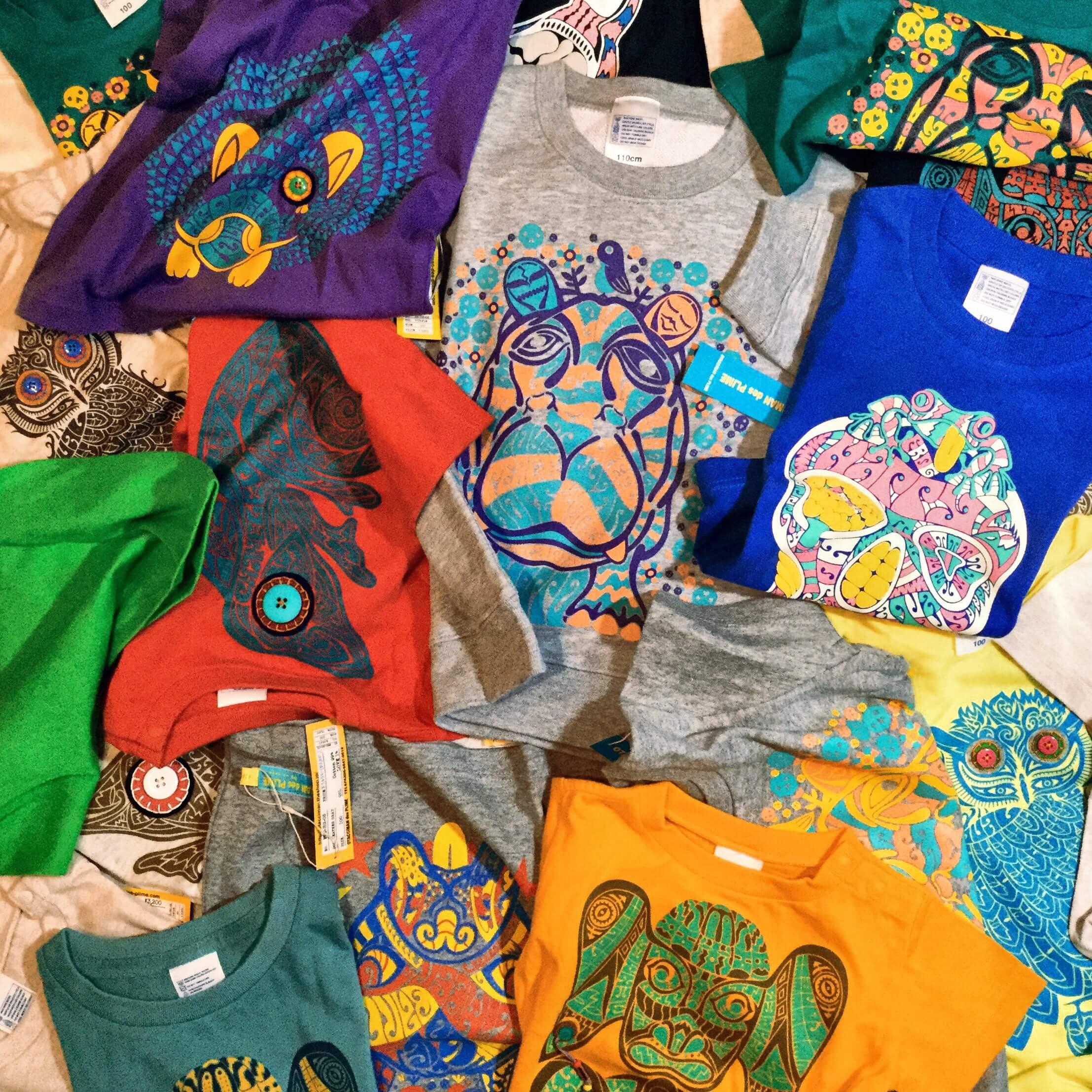 複数枚のTシャツ
