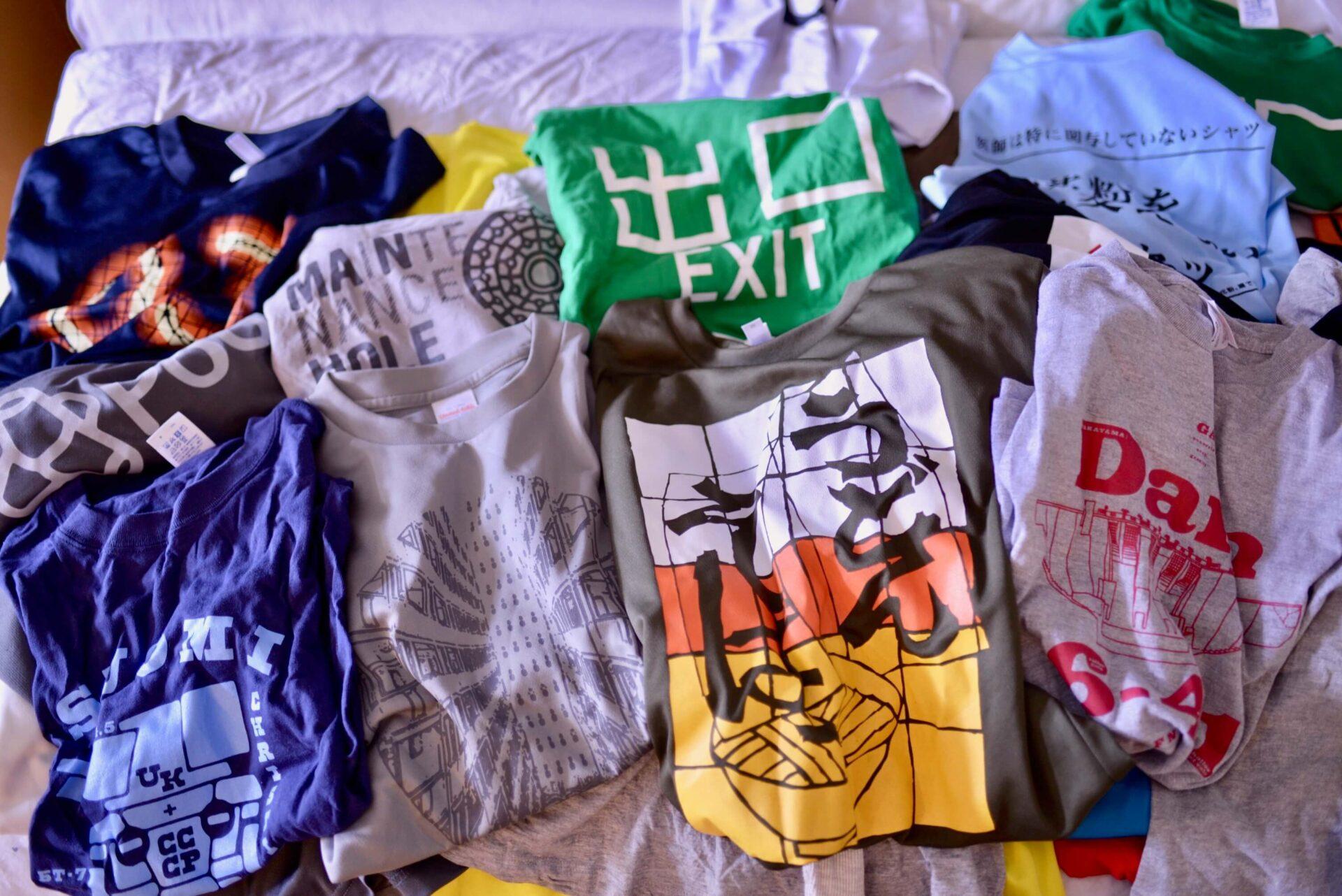 マニアパレルのTシャツ