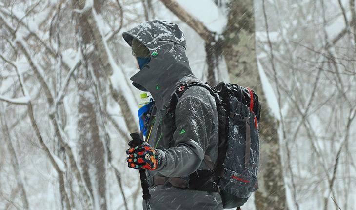登山に必要な防寒着はどう選ぶ?デザインや素材選びのすすめ!